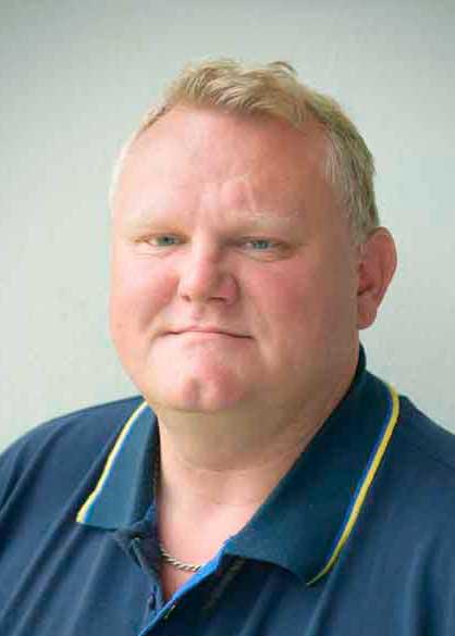 Lagerekspedient hos Skjern Maskinforretning Henning Hansen