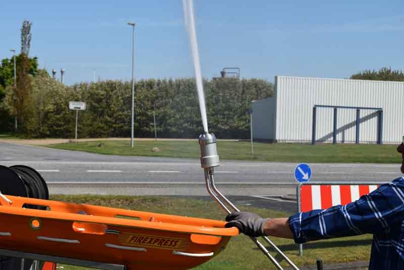 Polaris UTV redningskoeretoej slukker brande hvor andre ikke kan komme frem