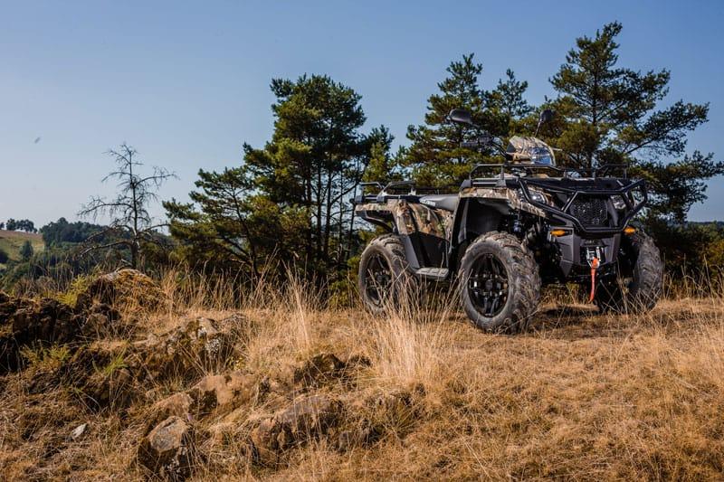 camo flage farvet ATV i skov
