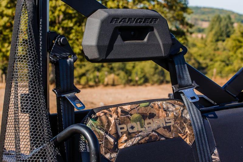 Billede af de velpolstrede logo sæder i Ranger XP1000 Camo edition fra Polaris