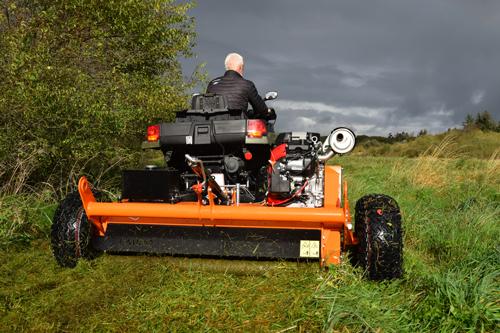 Polaris ATV maskiner og redskaber til arbejds brug og ræs.