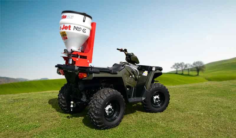 Fan Jet universalspreder på Polaris ATV. Let spredning af div.